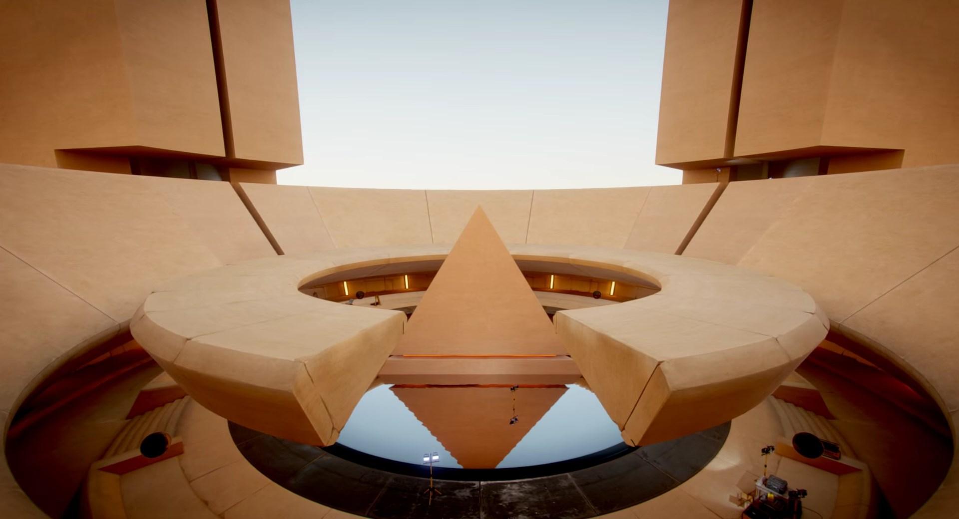 Unity 5 Lighting Demo: The Courtyard