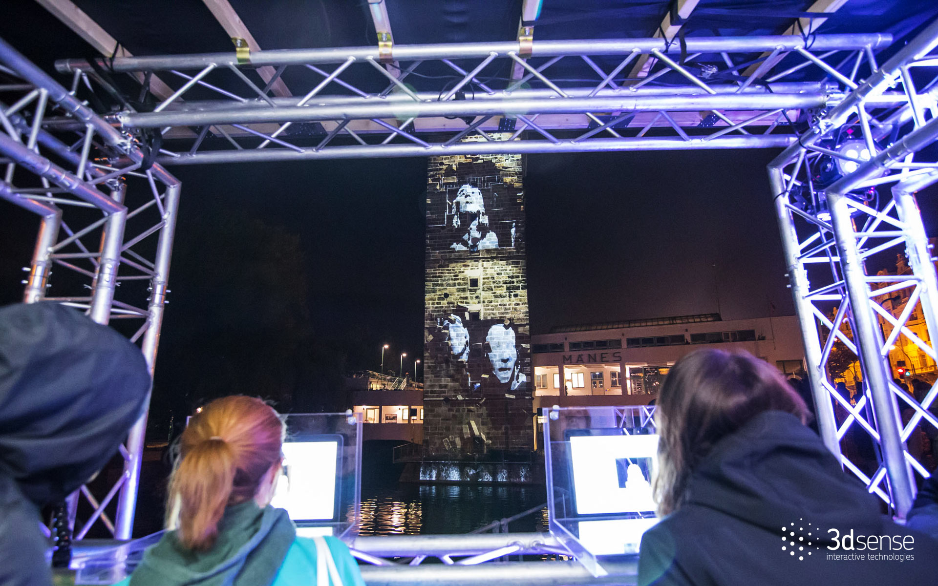 Faces  - Interactive Videomapping